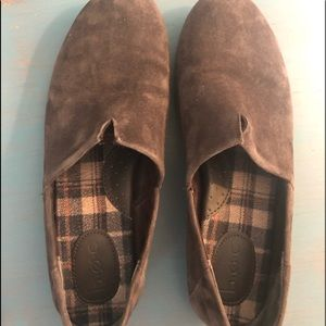 Born BOC brown suede loafers VGUC.